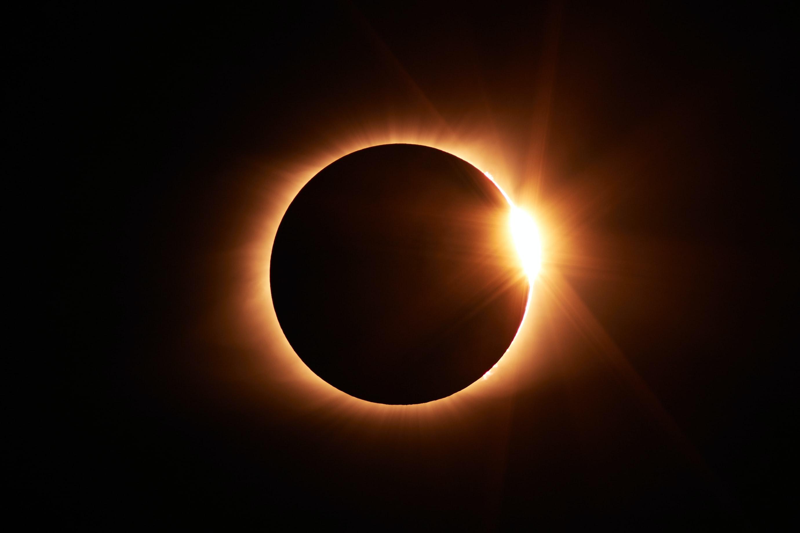 Eclipse Anel de Fogo. Crédito: Jongsun Lee via Unsplash